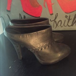 Max Studio women's size 10 ankle boots